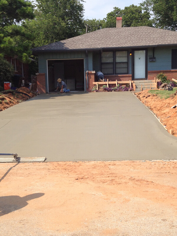 More photos bill 39 s custom concrete oklahoma city 39 s for Pouring concrete driveway